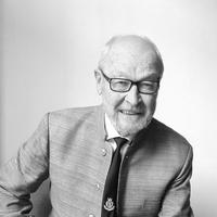 In Memoriam Prof Erik Holst, First IFMSA President